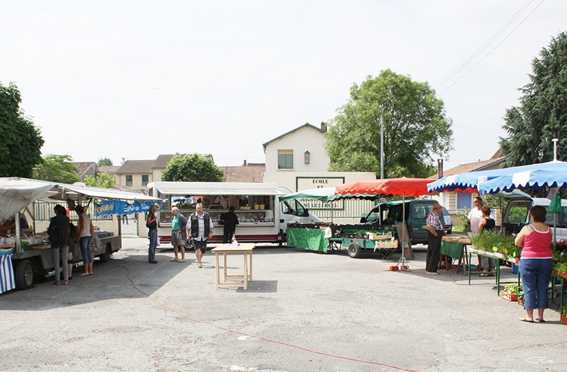 Marché traditionnel du mercredi matin